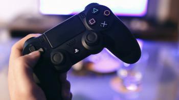 Владельцы PS5 смогут играть с пользователями PS4 в мультиплеере